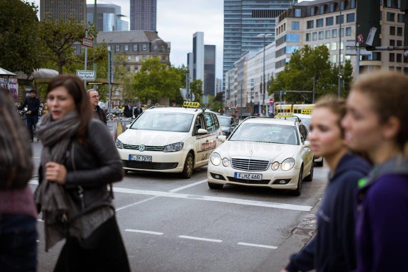 Streetscape de Francoforte fotos de stock royalty free