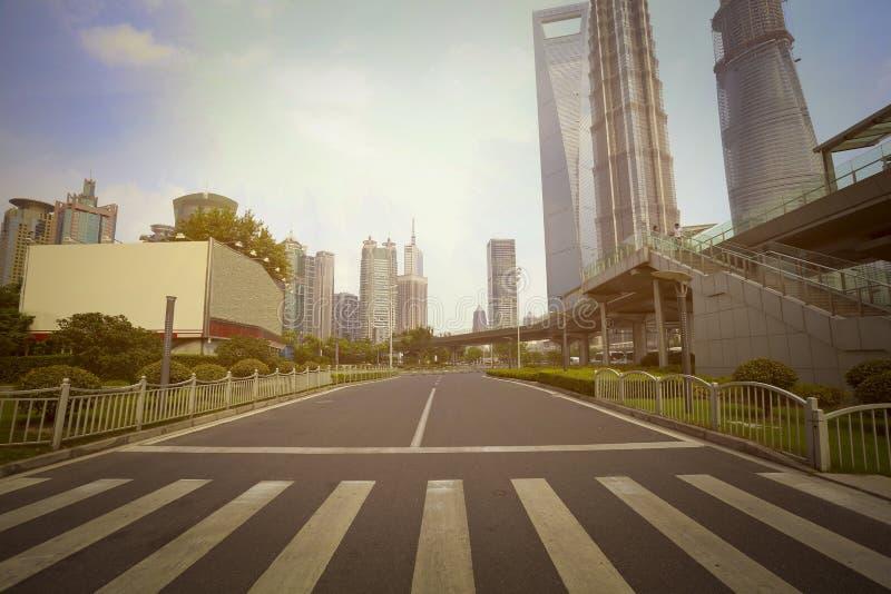 Streetscape de paysage de bâtiment de ville de Changhaï Lujiazui photos libres de droits