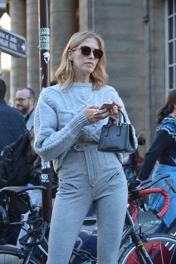 Streetstyle在巴黎 免版税库存照片