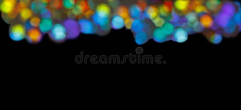 Streifen kreist schwarzen Mehrfarbenhintergrund ein stockfotografie