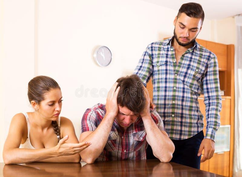 Streit In Der Jungen Polygamen Familie Stockbild - Bild