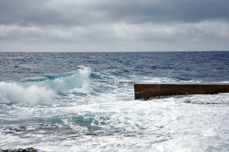 Streng weer en sterke windjugo in eiland Mali Losinj royalty-vrije stock fotografie