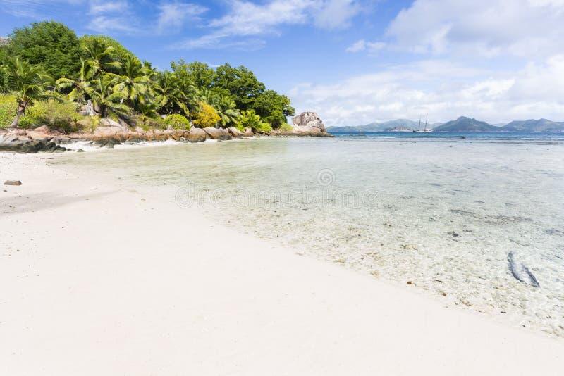 Strenge Anse, La Digue, Seychellen stock foto's