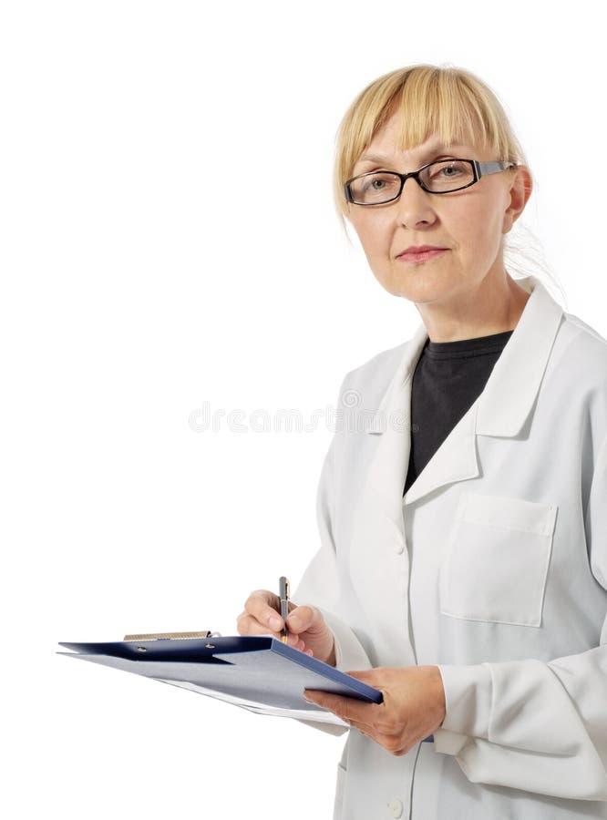 Strenger Doktor in den Gläsern stockbild
