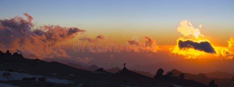 Strenger Sonnenuntergang stockbilder