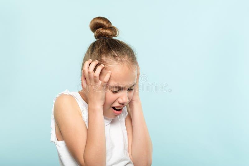Stres emocjonalnej awarii czupiradła dziewczyny sprzęgła głowa zdjęcie royalty free