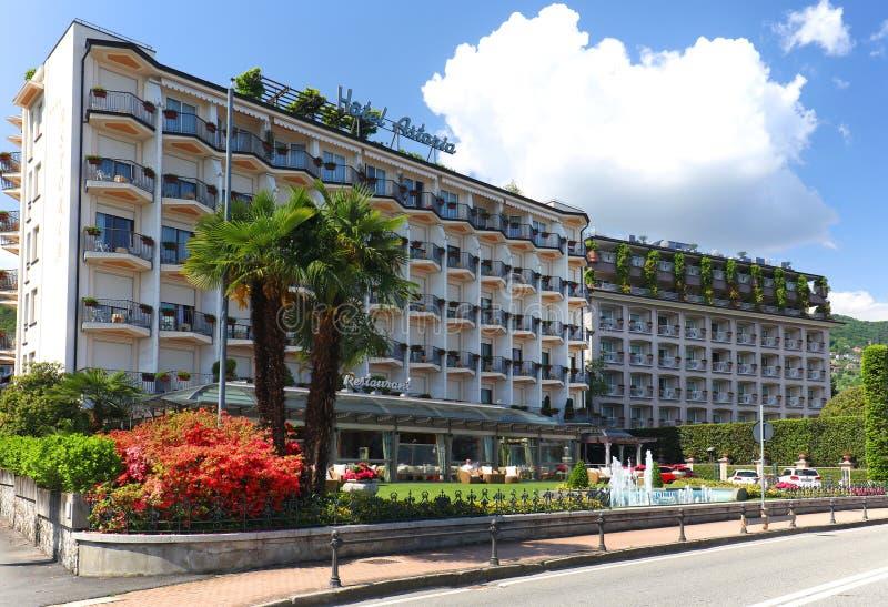 STRESA, ITÁLIA - 11 de maio de 2018 - hotel bonito em Stresa foto de stock royalty free