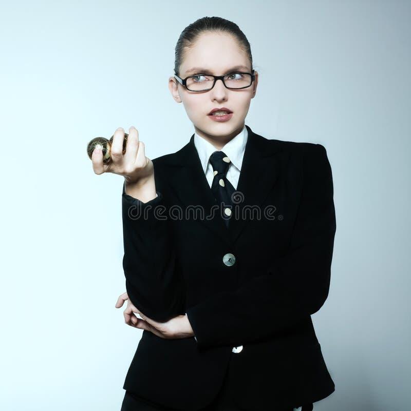 Stressad affärskvinna royaltyfria bilder