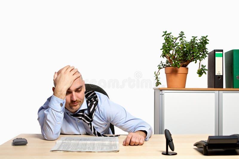 Download Stressad affärsman arkivfoto. Bild av anställd, desperat - 37349022