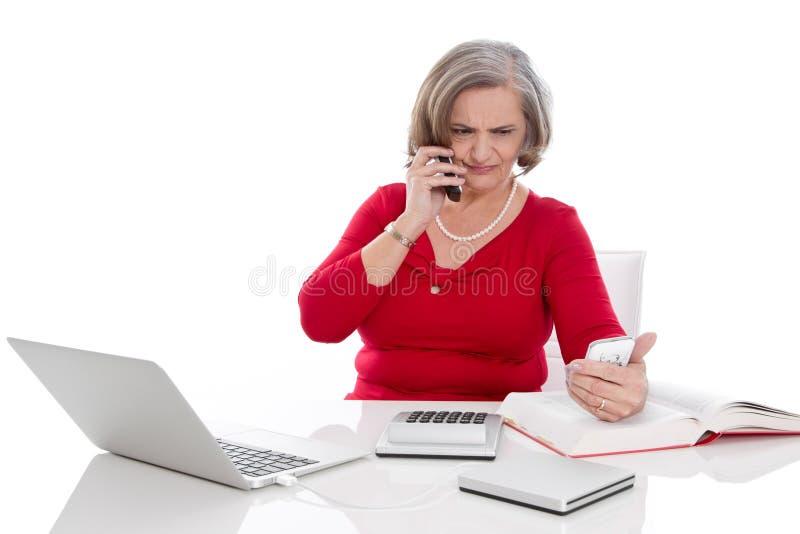 Stressad kvinna ut royaltyfri bild