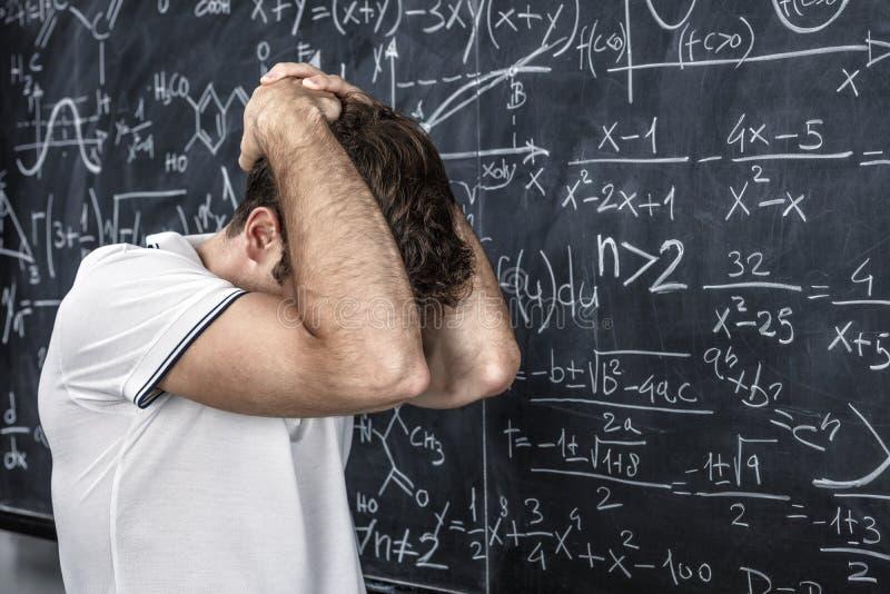Stressad lärarestående royaltyfri foto