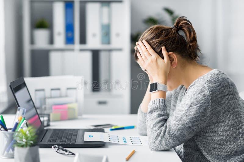 Stressad rengöringsdukformgivare med användargränssnittorienteringen royaltyfria foton