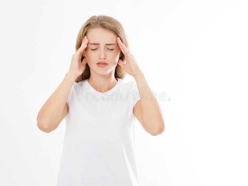 Stressad utmattad caucasian kvinna som har stark spänning Headach arkivbilder