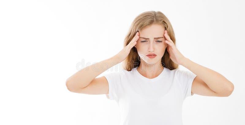 Stressad utmattad caucasian kvinna som har stark spänning Headach arkivfoto
