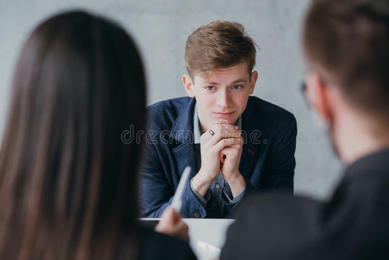 Stressig yrkeskarri?r f?r jobbintervju arkivfoton