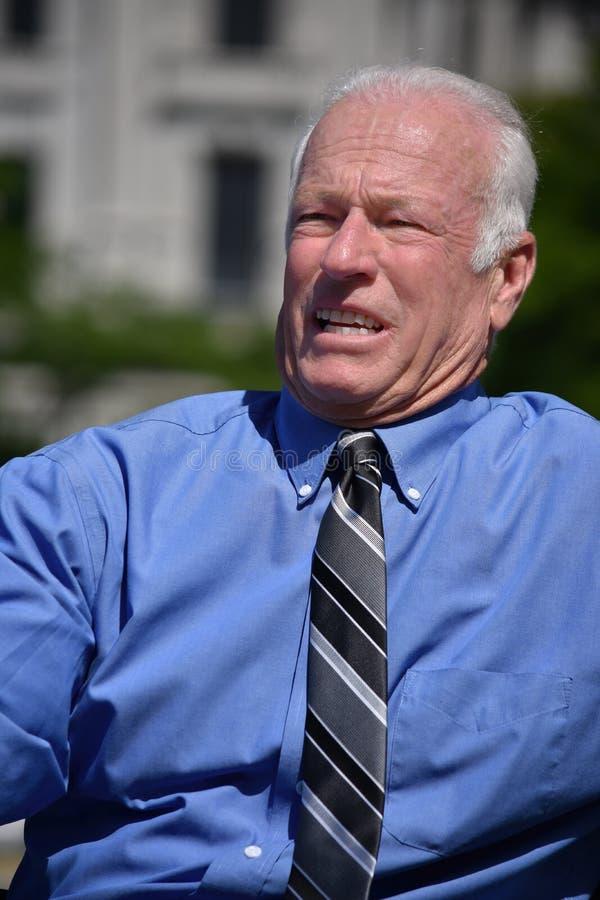 Stresujący Dorosły Starszy Biznesowego mężczyzny przedsiębiorca Jest ubranym krawat fotografia royalty free