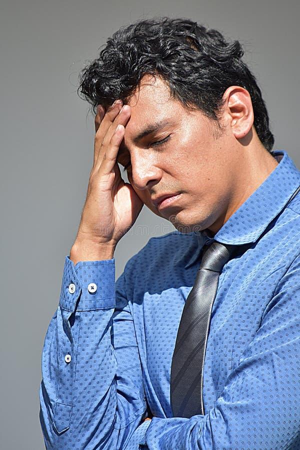 Stresująca młoda osoba Jest ubranym krawat zdjęcie stock
