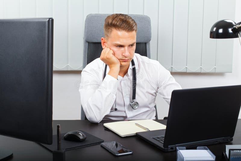 Stresująca opieki zdrowotnej praca obrazy stock