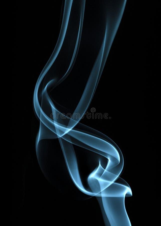 Streszczenie zielonego dymu na czarnym tle zdjęcie stock