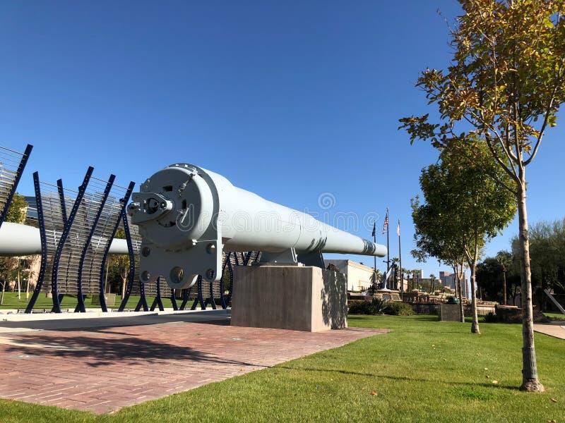 Striden sänder vapen på Wesley Bolin Memorial Plaza, Phoenix, AZ fotografering för bildbyråer