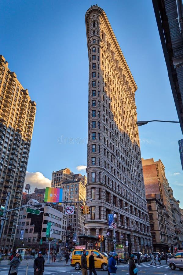 Strijkijzer het bulling op de stad van New York stock afbeeldingen