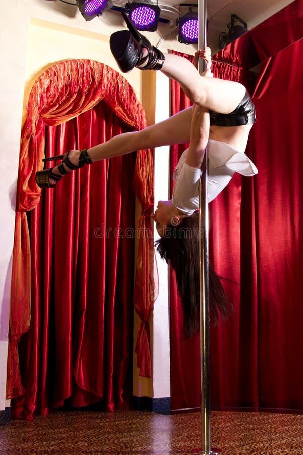 Strippa som hänger på pol royaltyfria bilder