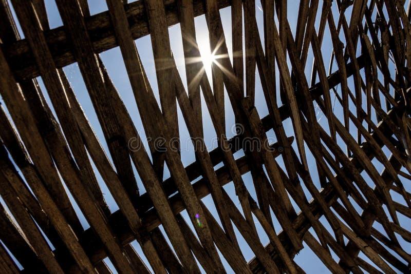 Strohregenschirmabschluß oben stockbild