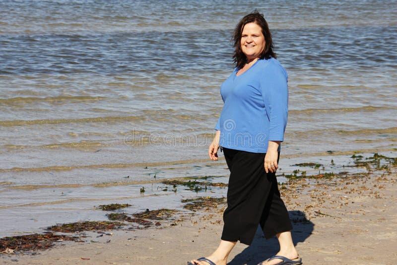Stroll na praia foto de stock