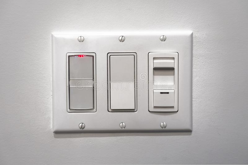 Strom, Lichtschalter, Netzschalter, Sensoren, Beschaffenheitsrückseite stockfotos