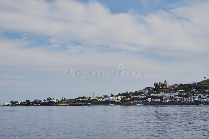 Stromboli火山岛 免版税库存照片
