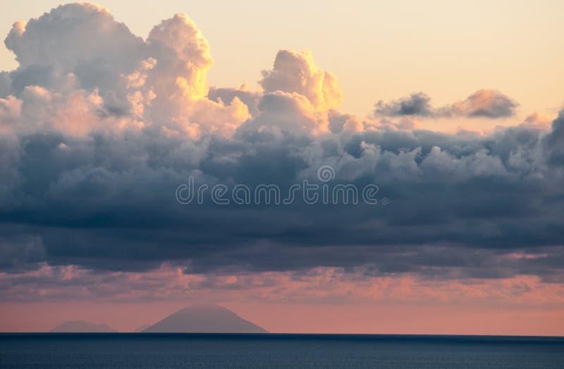 Stromboli Insel lizenzfreie stockbilder