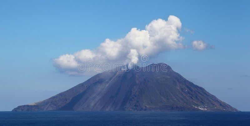 Stromboli Vulkan, Italien lizenzfreie stockfotos