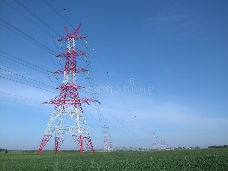 Stromleitungen lizenzfreie stockfotografie