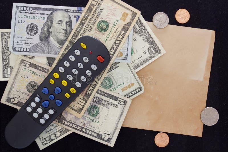 Stromrechnungen - Fernsehen lizenzfreie stockfotos