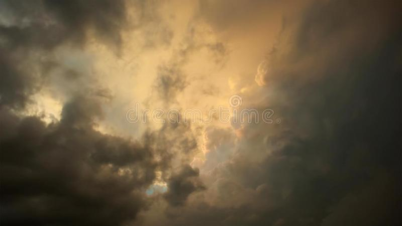 Stromwolken over weide, Okavango, Zuid-Afrika royalty-vrije stock afbeelding