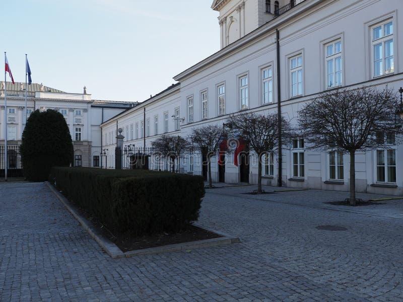 Strona pałac prezydencki w Warszawskiej europejskiej stolicie Polska zdjęcia stock