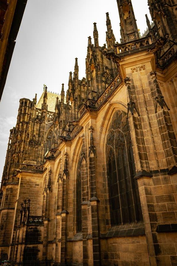 Strona St Vitus katedra Widok Spod spodu fotografia royalty free