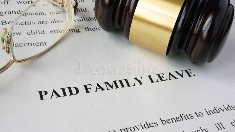 Strona z tytułu Opłaconym rodzinnym urlopem zdjęcie royalty free