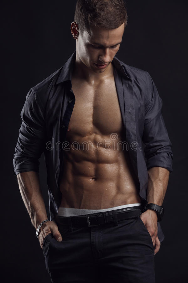 Free Strong Athletic Man Fitness Model Torso Showing Six Pack Abs. Stock Photos - 46335223
