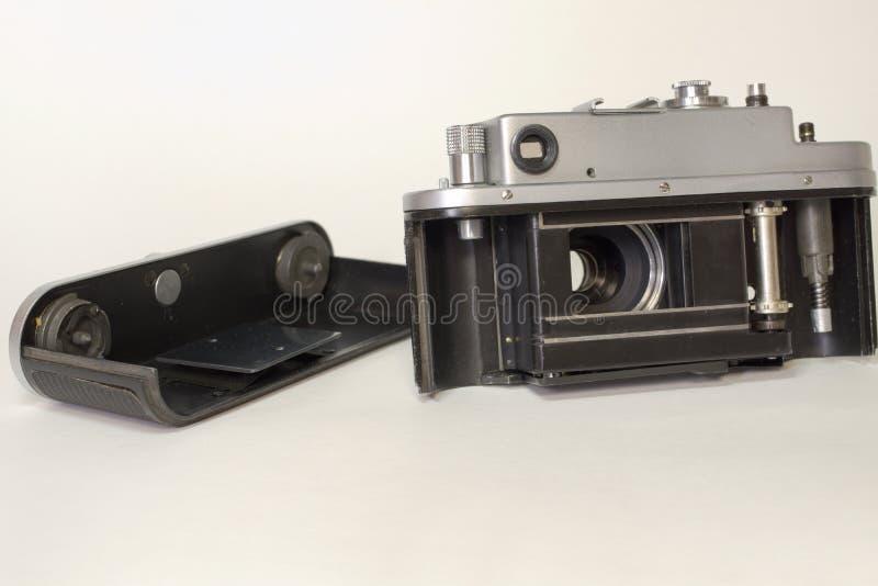 Stronniczo demontował rocznik kamerę, przygotowywającą dla ładować obraz royalty free