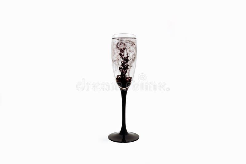 Strook van de van de achtergrond glas de zwarte wijn witte dichte omhooggaande fougere verfrook royalty-vrije stock afbeeldingen