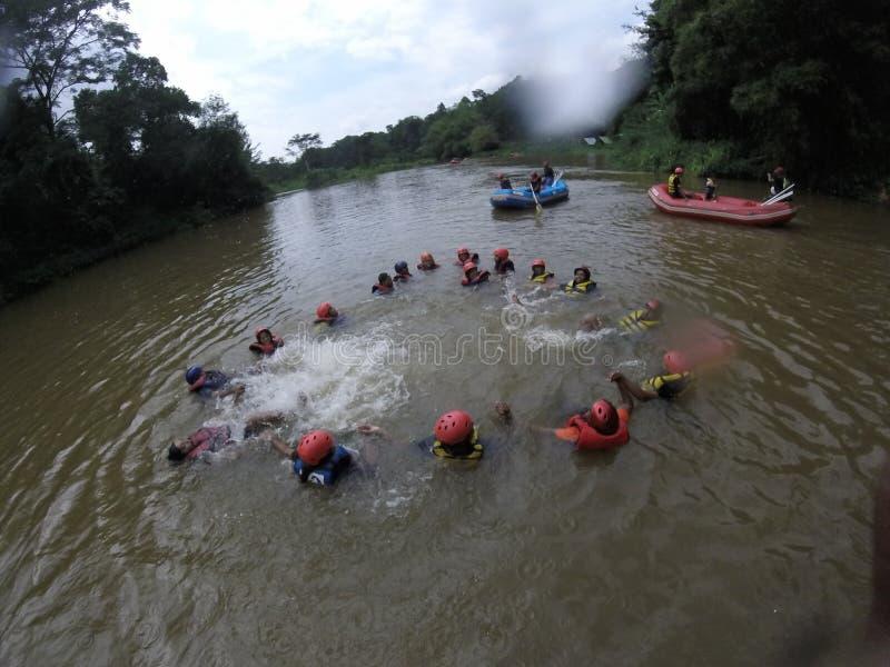 Stroomversnelling het rafting @Kitulgala stock foto