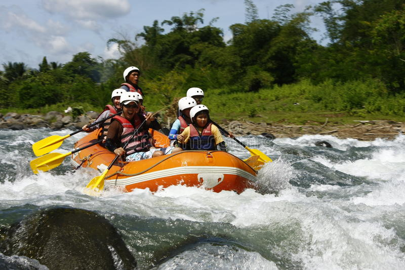 Stroomversnelling Rafting in Cagayan DE Oro Filippijnen royalty-vrije stock afbeelding