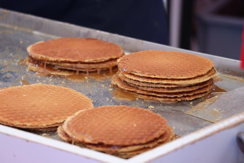 Stroopwafels néerlandais traditionnels photos stock