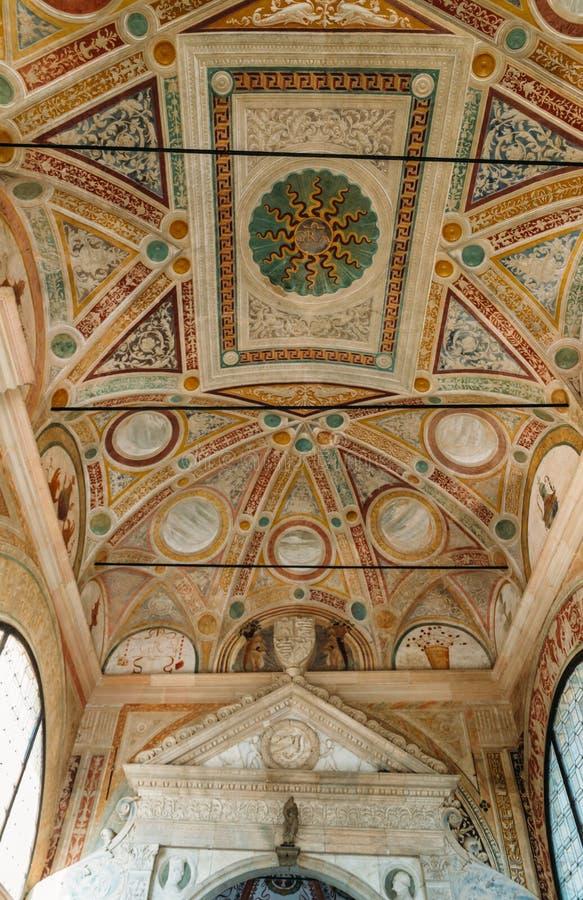 Stropować Certosa di Pavia, typowy style, lombard architektury, syndykata renesansu i gotyka i Ja budował C obrazy royalty free