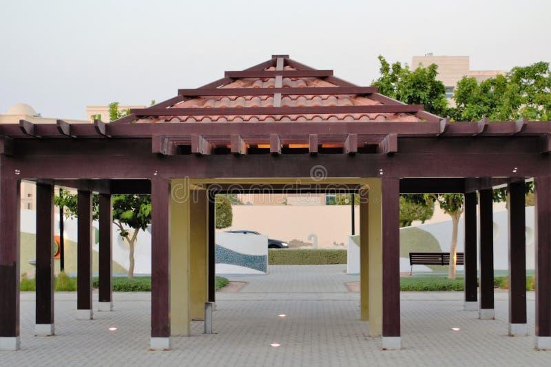 Structure de belvédère de parc, bancs photo stock