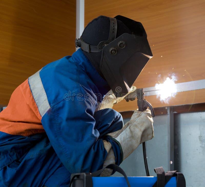 Structure en métal de soudage de soudeuse photographie stock libre de droits