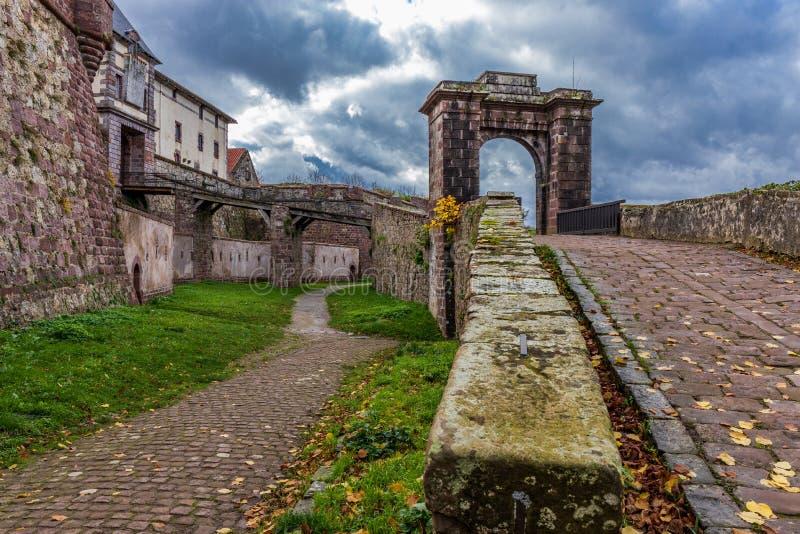 Structure en pierre de marie de sainte d'Oloron photographie stock