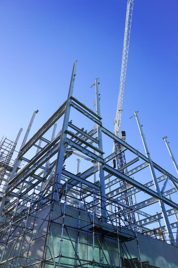 Structureel staalkader voor de nieuwe bouw stock foto