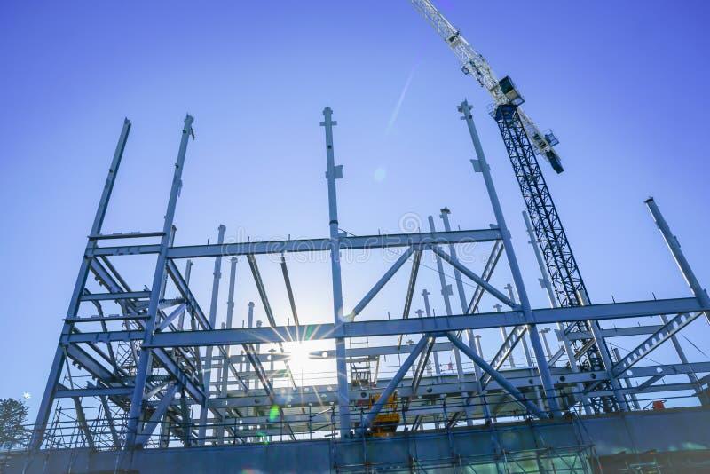 Structureel staalkader voor de nieuwe bouw stock afbeelding